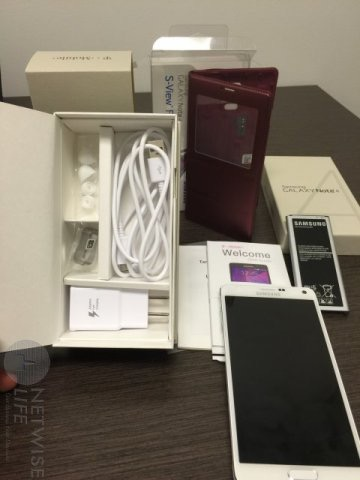 Galaxy Note 4 and Associated Accessories